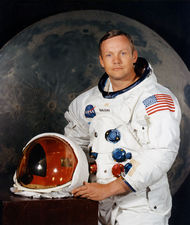 naissance-neil-armstrong/neil-armstrong-pose-jpg.jpeg