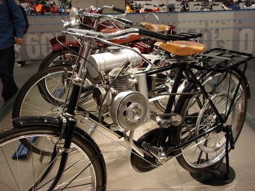 deces-soichiro-honda/honda-bicycle-engine-1946-stpz-jpg.jpeg