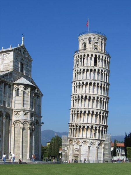 debut-de-la-construction-de-la-celebre-tour-de-pise-qui-sera-achevee-en-1372/leaning-tower-of-pisa-24-jpg.jpeg