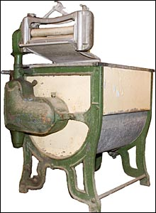 a-j--fisher-de-chicago-fait-breveter-sa-nouvelle-invention-une-machine-a-laver-electrique/washing-machine41-jpg.jpeg