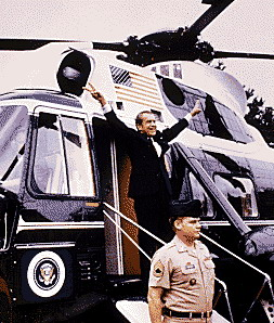 richard-nixon-quitte/nixon-departing57-jpg.jpeg
