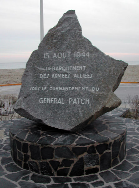 operation-anvil-dragoon-debarquement-allie-en-provence-lors-de-la-seconde-guerre/sttropezmonument-landingofgeneralpatch4675-jpg.jpeg