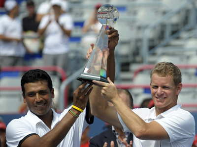 sports-mark-knowles-et-mahesh-bhupathi-gagnent-en-double-la-coupe-rogers-a-montreal/rogers06-jpg.jpeg