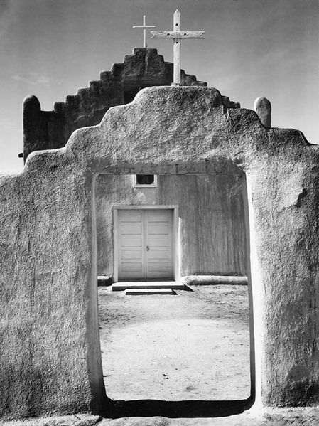 deces-ansel-adams/adams-church-taos-pueblo30-jpg.jpeg