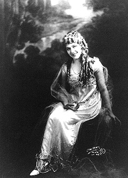 deces-naissance-de-mary-pickford/pickford-m-jpg.jpeg