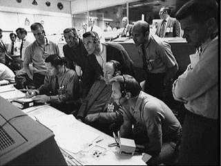 apollo-13-as-508-houston-weve-had-a-problem-here--houston-on-a-eu-un-probleme-ici-/as13-mission-control47-jpg.jpeg