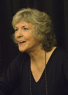 deces-sue-grafton/220px-suegrafton-jpg.jpeg
