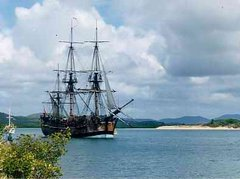 james-cook-prend-possession-de-laustralie/endeavour-replica-in-cooktown-harbour129-jpg.jpeg