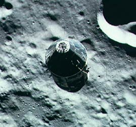 apollo-16-alunissage-du-module-lunaire-lm/as16-csm-orbit5052-jpg.jpeg