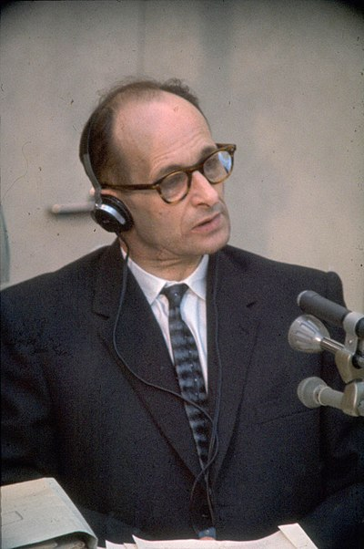 adolf-eichmann-est-enleve/400px-adolf-eichmann-at-trial1961-jpg.jpeg