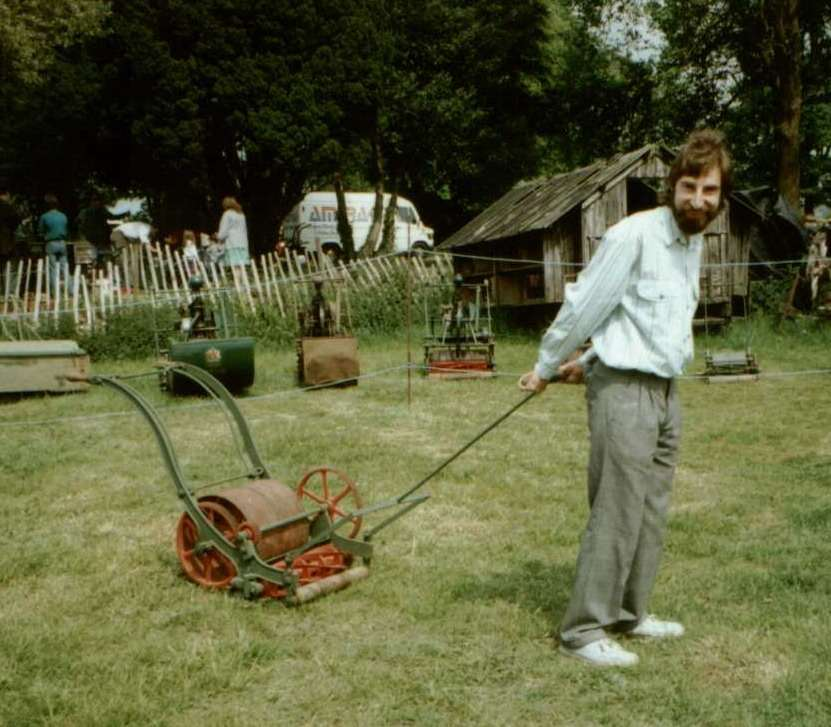invention-de-la-tondeuse-a-gazon/edwin-budding-mower1-jpg.jpeg