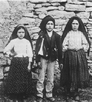 premiere-apparition-de-fatima/lucia-francisco-jacinta-jpg.jpeg