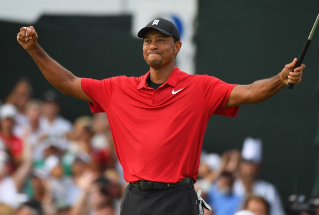 sports-tiger-woods-gagne-son-premier-tournoi-de-golf-de-la-pga-depuis-2013/1580090-avec-succes-tiger-woods-referme-jpg.jpeg