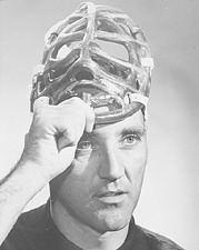sports-jacques-plante-invente-le-masque/jacques-plante151819-jpg.jpeg