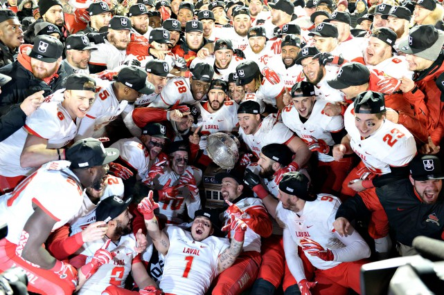 sports-le-rouge-et-or-de-luniversite-laval-remporte-la-coupe-vanier/1595815-rouge-or-conclu-sa-saison-jpg.jpeg
