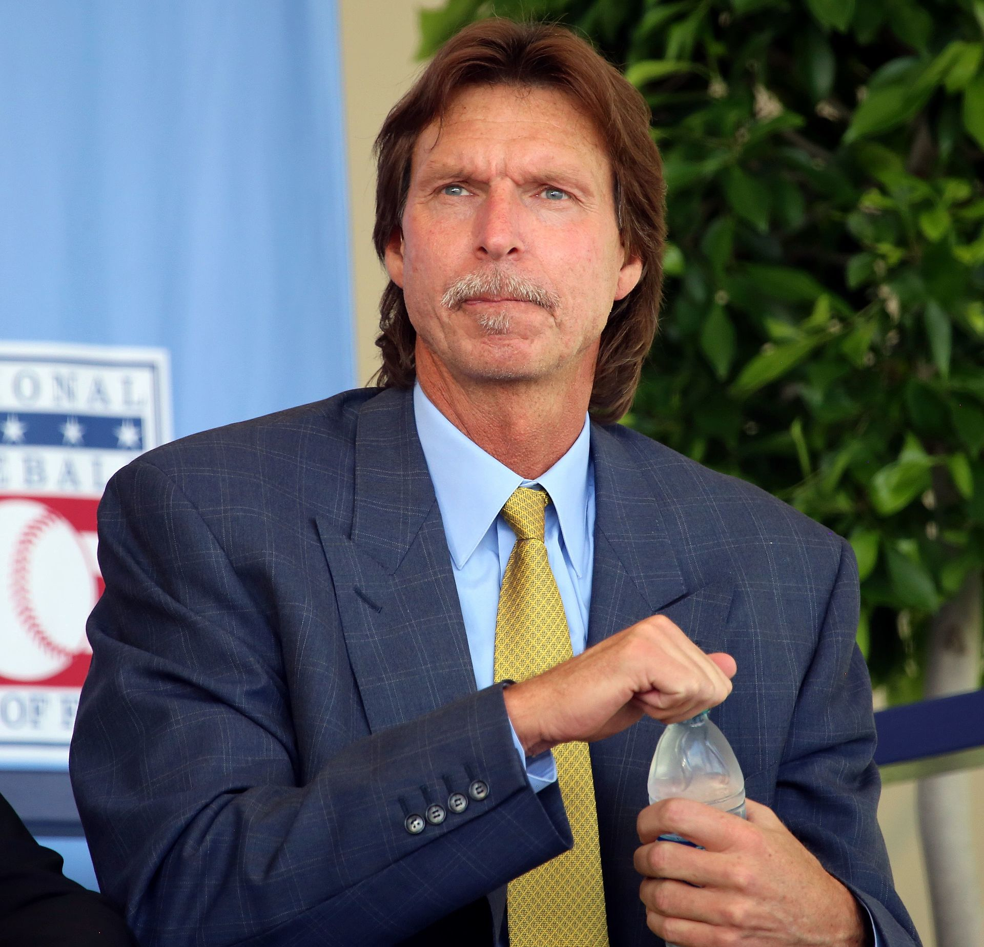 sports-randy-johnson-remporte-le-cy-young-pour-la-cinquieme-fois/1920px-randy-johnson-2016-jpg.jpeg