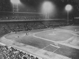 premier-match-de-baseball-presente-en-soiree/1935-in-night-games-m-jpg.jpeg