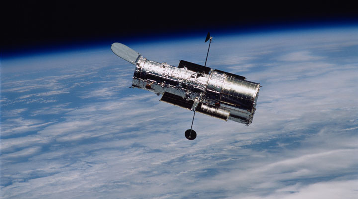 la-navette-columbia-se-dirige-vers-le-telescope-hubble/hubble-march-2002-big7272.jpg