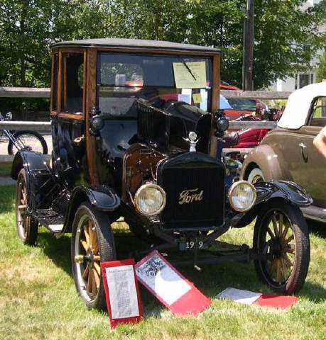 la-derniere-voiture-de-modele-t/ford-model-t-highboy-coupe-211-jpg.jpeg
