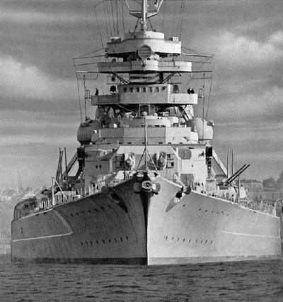 le-bismarck-sombre-a-son-tour/german-battleship-bismarck-bow-view29-jpg.jpeg