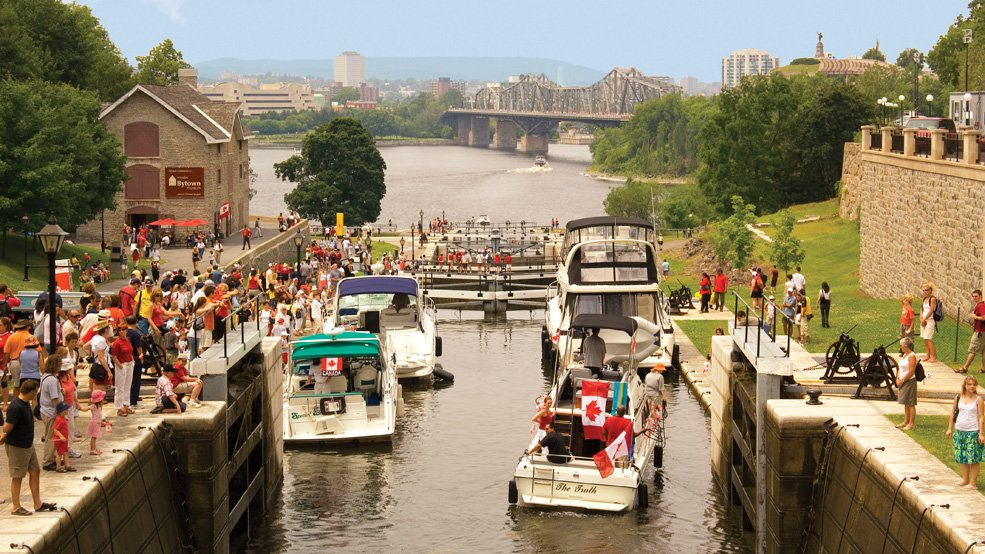 la-fete-nationale-du-canada/canada-day-and-rideau-canal-locks-jpg.jpeg