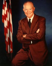 -dwight-d--eisenhower-se-retire-de-larmee/eisenhower-official18262632-jpg.jpeg