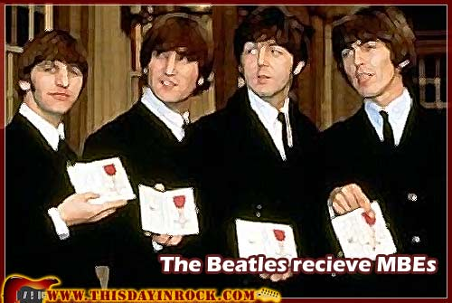 la-reine-elizabeth-recompense-les-beatles/the-beatles-recieve-jpg.jpeg