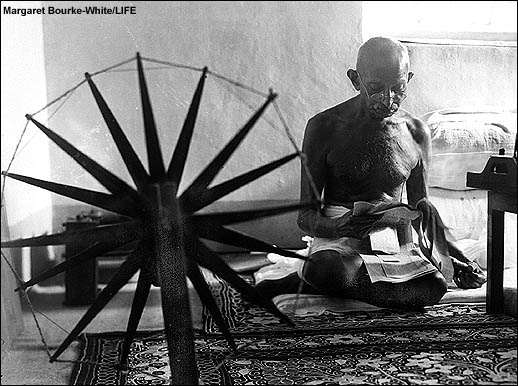 naissance-margaret-bourke-white/wheel-ghandi182234-jpg.jpeg