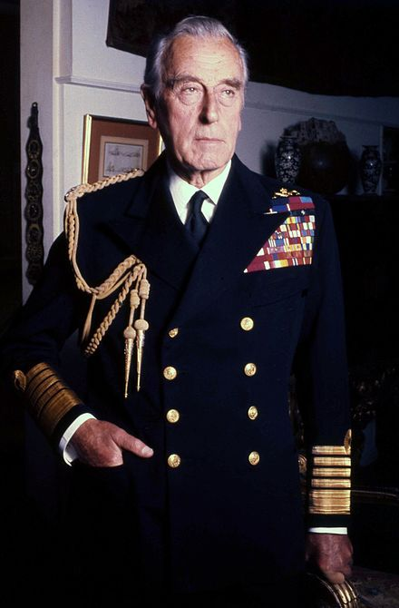 deces-louis-mountbatten/440px-lord-mountbatten-navy-allan-warren-jpg.jpeg