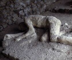 leruption-du-vesuve-ensevelit-pompei/dead1-small-jpg.jpeg
