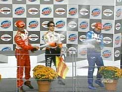 sports-carpentier-est-troisieme-et-michel-jourdain-remporte-le-molson-indy/carpentier-podiun52-jpg.jpeg