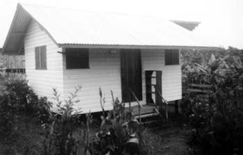 suicide-collectif-au-guyana/jonestown-jim-jones-cabin-gr44-jpg.jpeg
