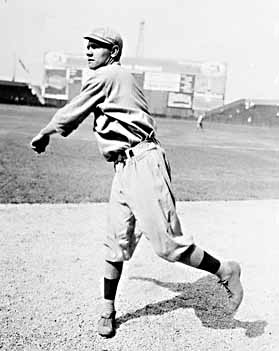 sports-babe-ruth-lance-son-premier-match/babe-ruth-pitching21-jpg.jpeg