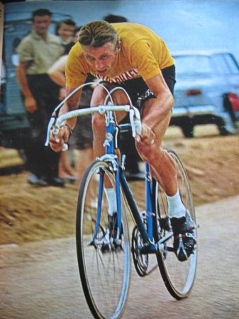 sports-jacques-anquetil-remporte-le-maillot-jaune/medium-1964-anquetil20-jpg.jpeg