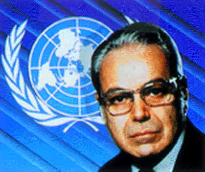 jose-perez-de-cuellar-est-elu-secretaire-general-des-nations-unies/per3.jpg