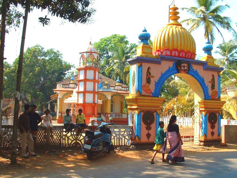 linde-sempare-de-goa/goa-hindu-temple-at-siolim36.jpg