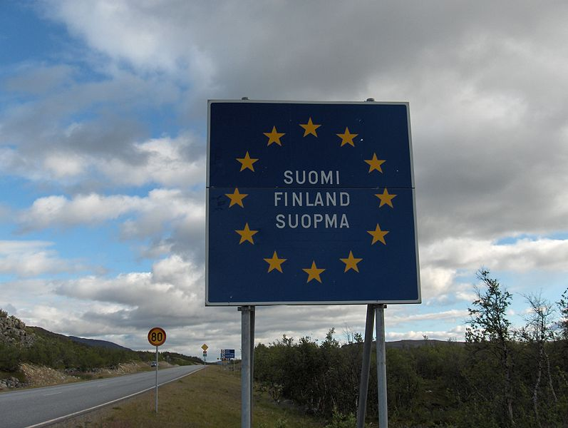 lespace-schengen-sagrandit/finnish-border-sign-kilpisjarvi7.jpg
