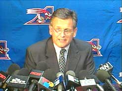 sports-larry-smith-revient-a-la-barre-des-alouettes/larry-smith110118121.jpg