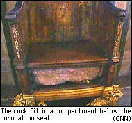 vol-de-la-pierre-du-destin-/stone.chair.jpg