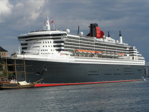 le-queen-mary-2-arrive-a-southampton/qm2inoslo40.jpg