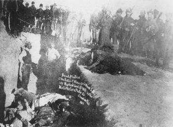 massacre-a-wounded-knee/wounded-knee-massacre192827.jpg