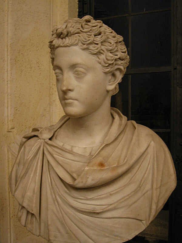deces-commode/commodus-junior-cap21.jpg