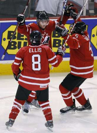 sports-cinquieme-titre-de-suite-pour-le-canada/hockey--2009junior9.jpg