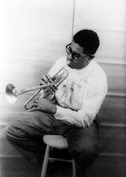 deces-dizzy-gillespie/dizzy-gillespie-playing-horn-19558.jpg