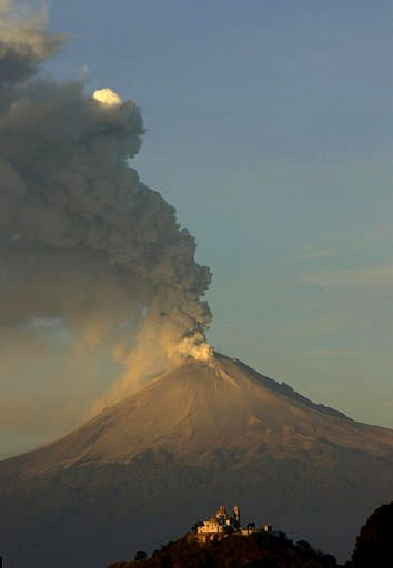 le-popocatepetl-entre-en-eruption/popo-f67475066.jpg