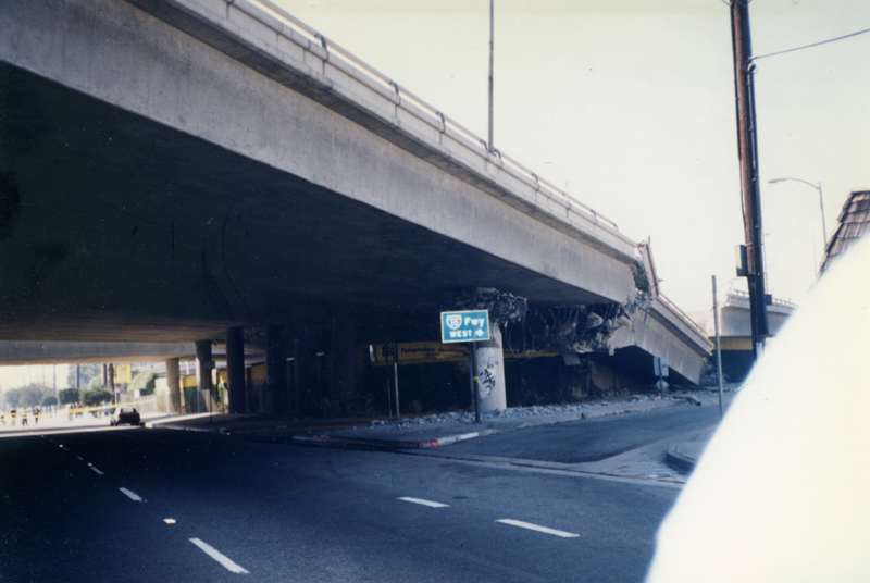 un-seisme-secoue-la-californie/northridge-earthquake-65.jpg