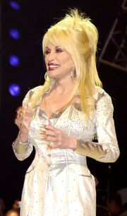 naissance-dolly-parton/dolly-parton-in-nashville-april-2005.jpg