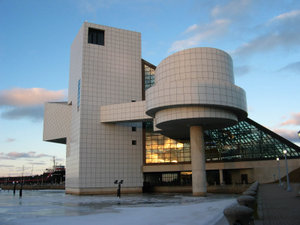 le-temple-de-la-renommee-du-rock-and-roll-est-fonde/rock-and-roll-hall-of-fame30.jpg