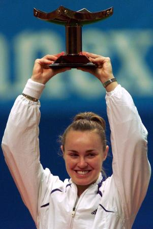 sports-martina-hingis-remporte-les-internationaux-daustralie-elle-a-16-ans/martina.jpg