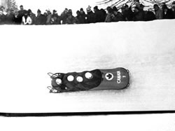sports-medaille-dor-olympique-pour-lequipe-canadienne-de-bobsleigh/oldpict4040.jpg